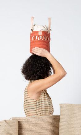 bolso Anni en color teja con saco interior extraíble
