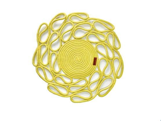mantel individual amarillo