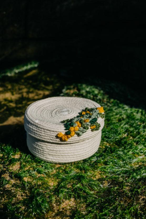 cesto con tapa línea rocha